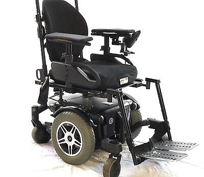Urgent Sale!!!  Top Of The Range Electric Wheelchair (Qauntum 600)
