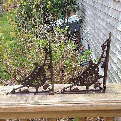 Antique Pair Circa 1879 Art Nouveau Victorian Cast Iron Shelf Brackets Corbels