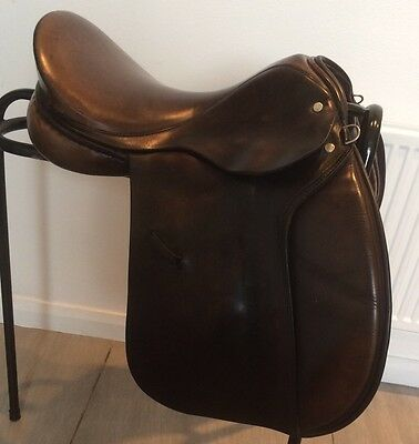 "17"" Silhouette Narrow / Medium Fit English Leather Brown GP Saddle"