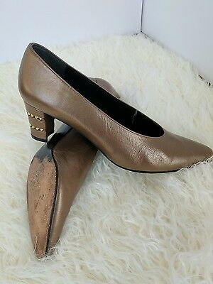 VTG Stuart Weitzman Pumps, bronze leather, women's size 6 gold embellished heels