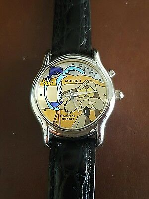 Rare 1997 Warner Bros Armitron Musical Road Runner Wylie Coyote Watch