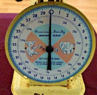 Vintage Yellow American Family Infant/Baby Nursery Scale Weighs 30# By Ounces