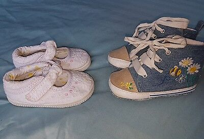 Baby girls next pram/toddler shoes. Infant size 2 (9-12) months.Lovely condition