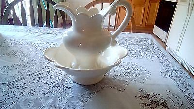 Ren white pitcher and basin