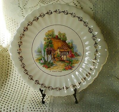 Vintage WADE ROYAL VICTORIA POTTERY cake plate A Somerset Cottage made England