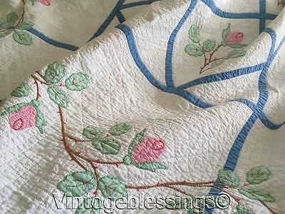 Beautiful Applique Pink Roses on Blue Trellis VINTAGE 30s QUILT Great Quilting!