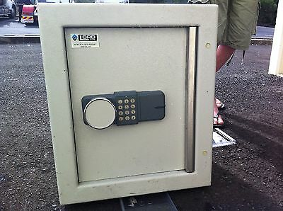 Safe - Heavy Duty - Used For Documents Or Cash With Posting Slot