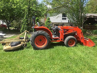 Kubota Front End Loader/Tractor w/Bucket/Finish Mower/Scraper! SUPER LOW HOURS!