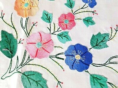 """Vtg HAND APPLIQUE AND HAND EMBROIDERY TABLECLOTH - 67 X 86"""" - Very beautiful!"""