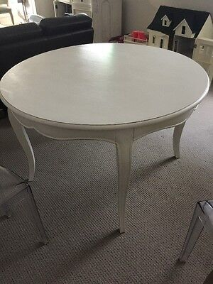 La Maison Round Dining Table