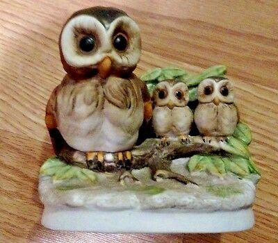 Vintage Homco Porcelain Hoot Owl Family on Branch with Baby Owls Figurines #1298