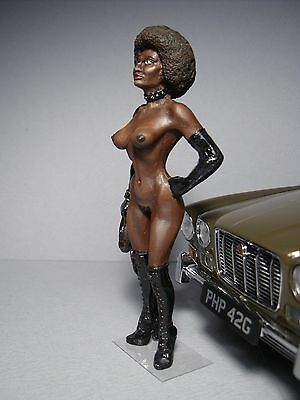 Serena  1/18  Painted  Girl  Figure  By  Vroom  For  Jaguar  Paragon  Minichamps