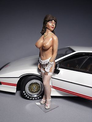 Babette  1/18  Painted  Girl  Figure  By  Vroom  For  Lotus  Esprit  Autoart