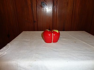 Vintage Novelty Kitsch Salt And Pepper Shakers Apple
