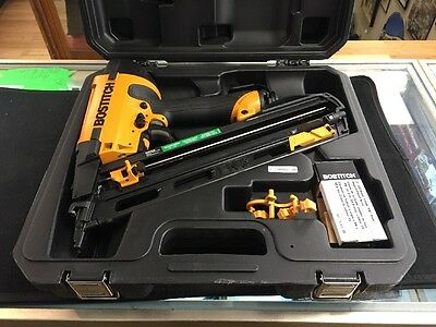 Bostitch N62Fnb Angled Pneumatic 15 Guage Finish Nailer