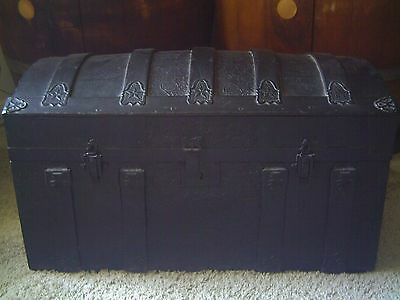 Antique Vintage Locking Camel Back Trunk With Original Insert (Train, Steamer)