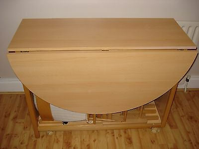 Butterfly-leaf table and 4 chairs