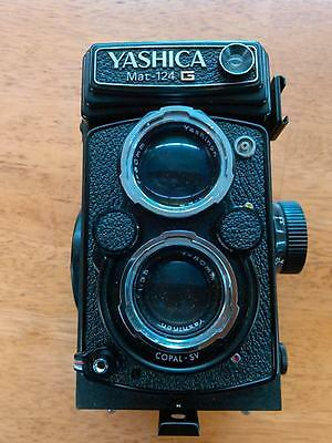 Yashica mat 124 G Camera with case