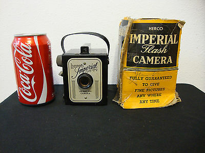 Vintage HERCO IMPERIAL 620 Snap Shot Box Camera - Untested