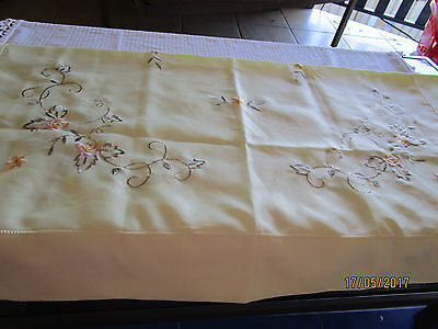 Small Lemon Embroidered Tablecloth