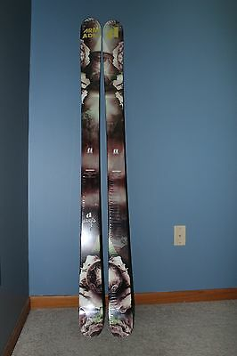 NEW - STILL IN FACTORY PLASTIC! ARMADA BDOG TWIN TIP SKIS - 2017 - 165 cm