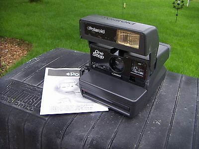 Polaroid One Step 600 Film Black Instant Camera With Strap. Tested