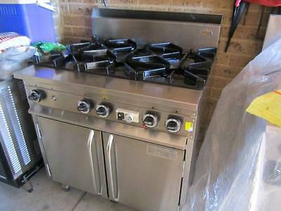NEAR NEW,LPG commercial 6 burner oven