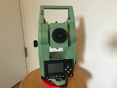 """Leica TCR305 5"""" Reflectorless Total Station"""