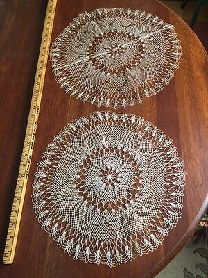 "2 Antique Hairpin Lace Handmade Lace Doilies Large Off-white 13.5"" & 15"""