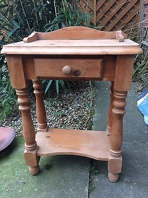 Lovely Pine wash stand