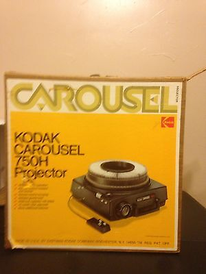 Kodak Carousel 750H Slide Projector w/ Remote & Original Box tested and works