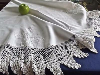 """Antique White Linen 46""""Rnd Tablecloth Embroidered Butterflies Wide Crochet Lace"""