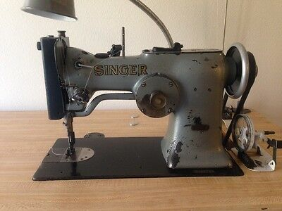Singer 107W1 Zig Zag Industrial Sewing Machine with table nice condition zigzag