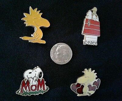 Peanuts vintage collectable pins, set of 5, Snoopy, Woodstock