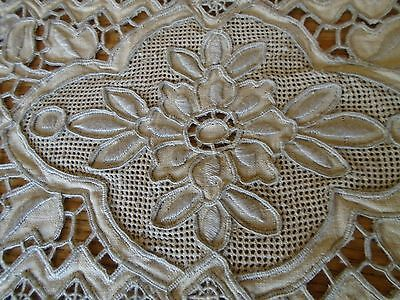 Unused Set Of 6 Embroidered Linen Table Mats - Lace Design -