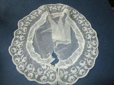 Antique collar hand embroidered on net with flowers lace/France