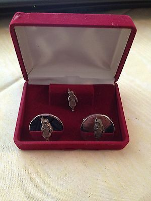 Vintage Set Beefeater Gin Cuff Links & Tie Tack Set Liquor Related