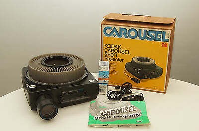 Kodak Carousel 850H Slide Projector with remote, zoom, and extra bulb