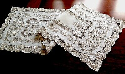 Gorgeous Vintage Hand Embroidered Off White Linen Table Runner Centre Cloth