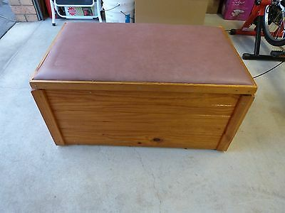 Baby or Kids Storage Bedroom Playroom Toy Box ,Chest , Bench Seat