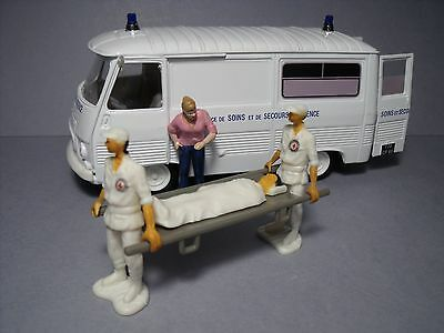 4  Figurines  1/43  Set 375  Les  Ambulanciers  Vroom  Unpainted  Rescue  Norev