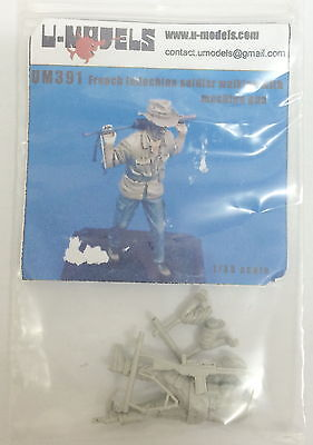U-Models 1/35 French Indochina Soldier Walking with Rifle