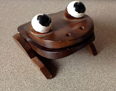 Wooden Frog Thing