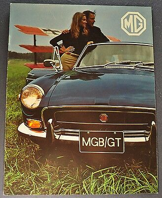 1971 MG MGB/GT Catalog Sales Brochure Excellent Original 71