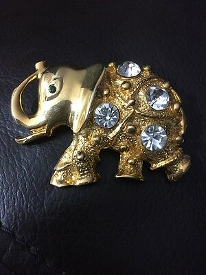 Adorable Gold Tone And Elephant Rhinestone Pin
