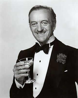 DAVID NIVEN Classic pose with MARTINI GLASS Hollywood Celebrity photo (44bh)