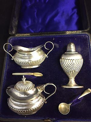 Lovely 3 Piece Silver Plated Cruet Set On Paw Feet With Spoons,boxed #ga