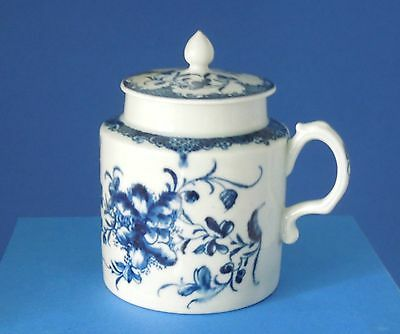 1st Period Worcester blue & white porcelain  Mustard Pot  with lid C1765-70
