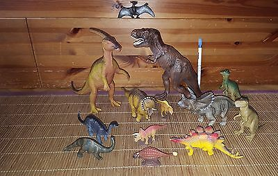 Lot 13 figurines dinosaures + lot cartes