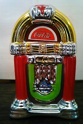 Coca-Cola jukebox glass salt and pepper shakers collectibles.